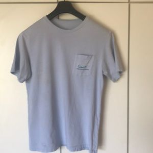 Vineyard Vines light blue T-shirt